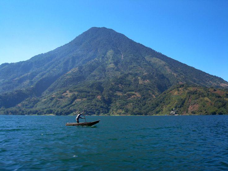 Lago Atitlan/Lake Atitlan, Guatemala