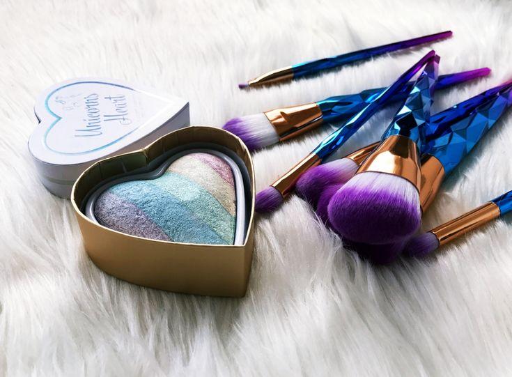 Unikornis Heart szivárványszínű szemhéjpúder | Fotó via pinkpanda.hu - PROAKTIVdirekt Életmód magazin és hírek - proaktivdirekt.com