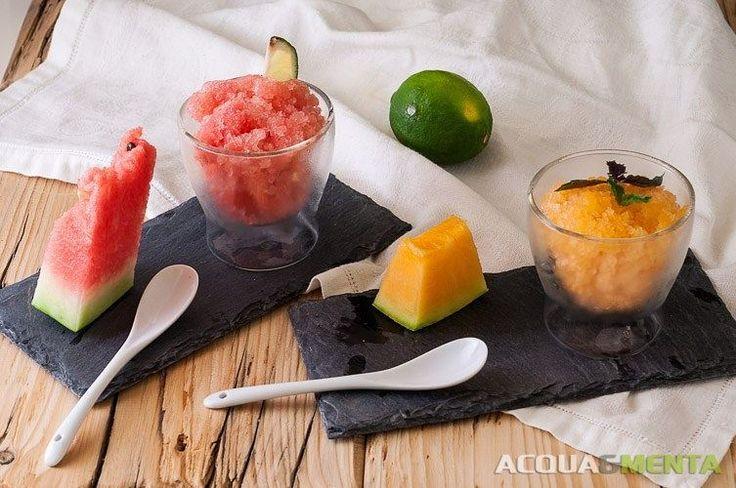 Per merenda vi proponiamo una rifrescante granita: preferite quella al #cocomero e #limone verdello o quella al melone profumata al basilico? Quale scegliate non importa basta che festeggiate con noi e con il @calendar_52  italiano la Giornata Nazionale di #Melone e #Anguria!  http://ift.tt/2tx0aSq - - - - - - #acquaementa #food #yum #instafood #yummy #tasty #delicious #eating #foodpic #foodpics #eat #hungry #foods #igersmantova #igerslombardia #break #fresh #sweet #vegan…
