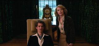 Andrew Garfield y Claire Foy ante las adversidades...