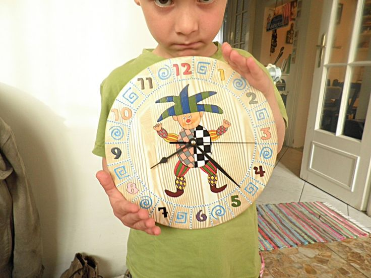 Bohóc falióra. Csendes óraszerkezettel ellátva. Clown wall clock. Hand painted production.