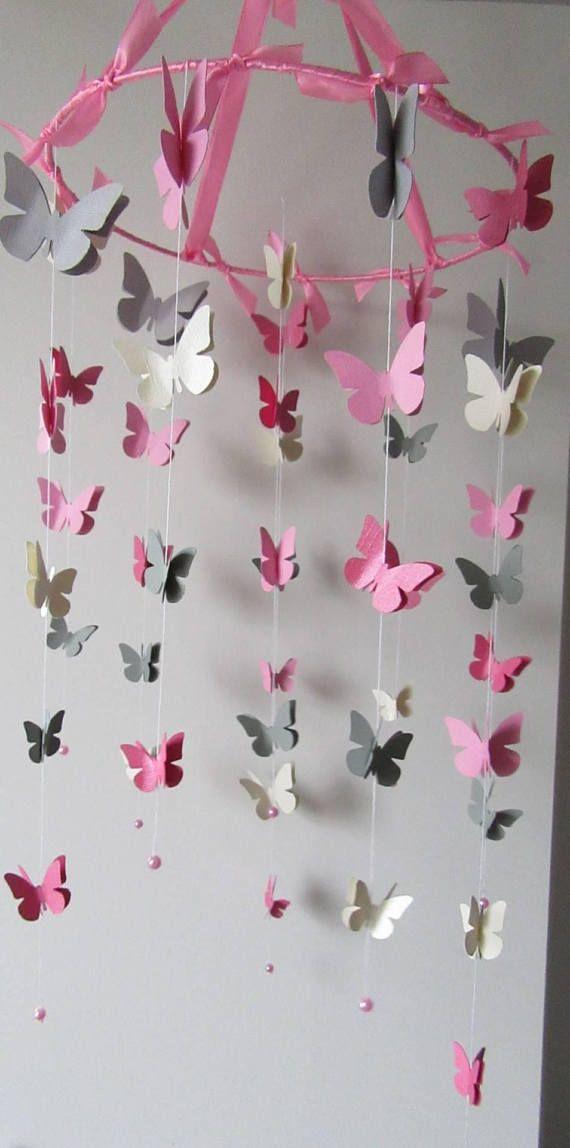 Mobile Papillons Couleurs Vieux Rose Rose Pastel Blanc Beige