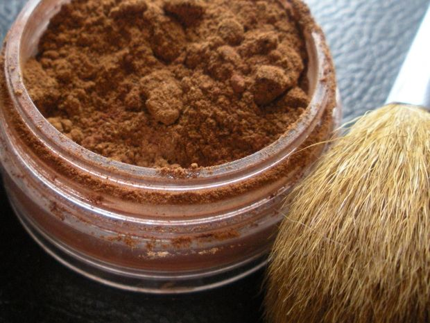 4 DIY All-Natural Cosmetics | Her Campus