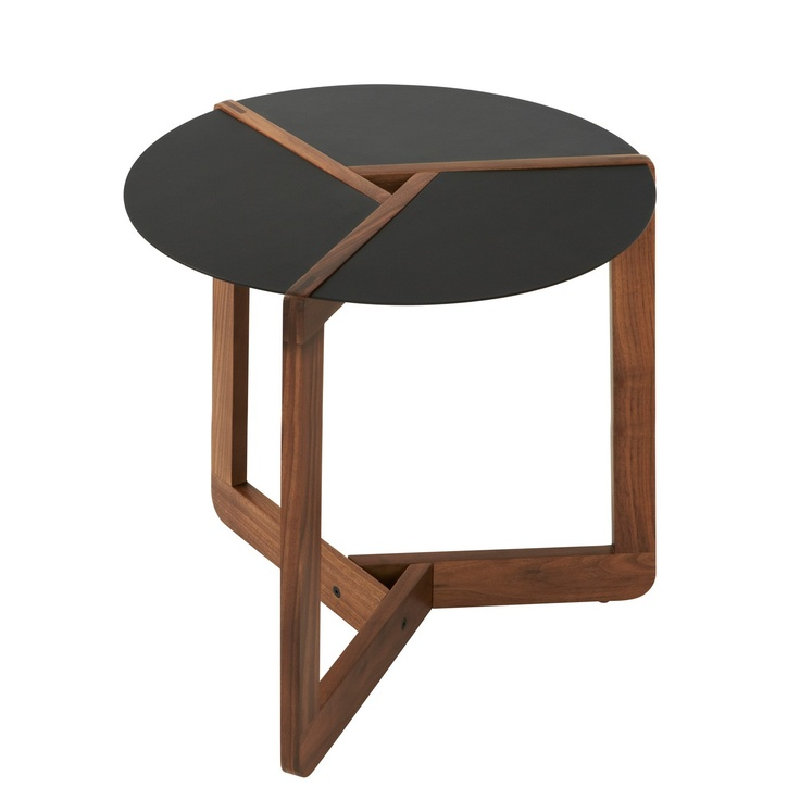 modern table pi small side table by blu dot paired with lounger diagonal in