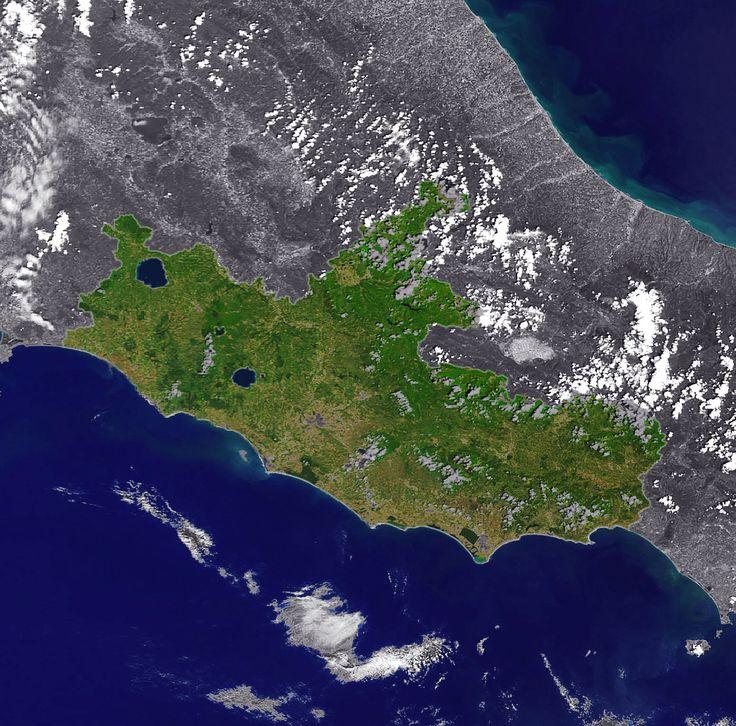 Il_Lazio_visto_dallo_spazio.jpg (1549×1529)
