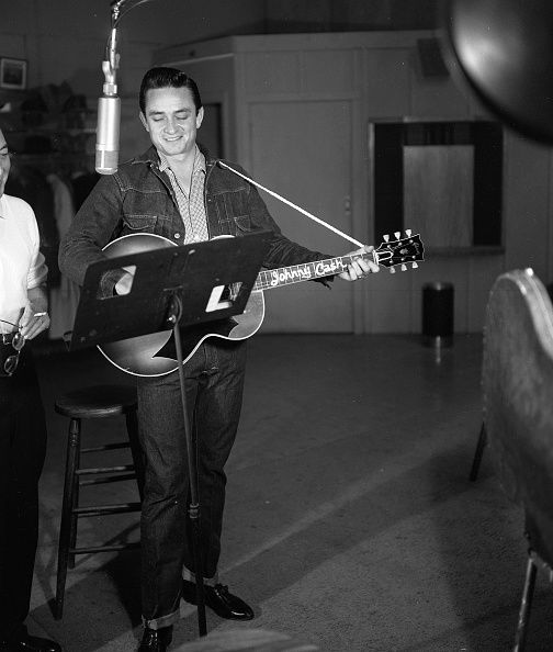 Cash recording at Columbia Records in 1958. There's that classic guitar too!