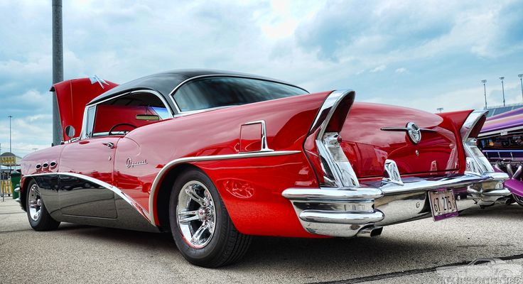 1956 Buick Special. Like the 1955 Buick Special Tom B had in Carberry. His was Black on top, Red in the middle & White on the bottom