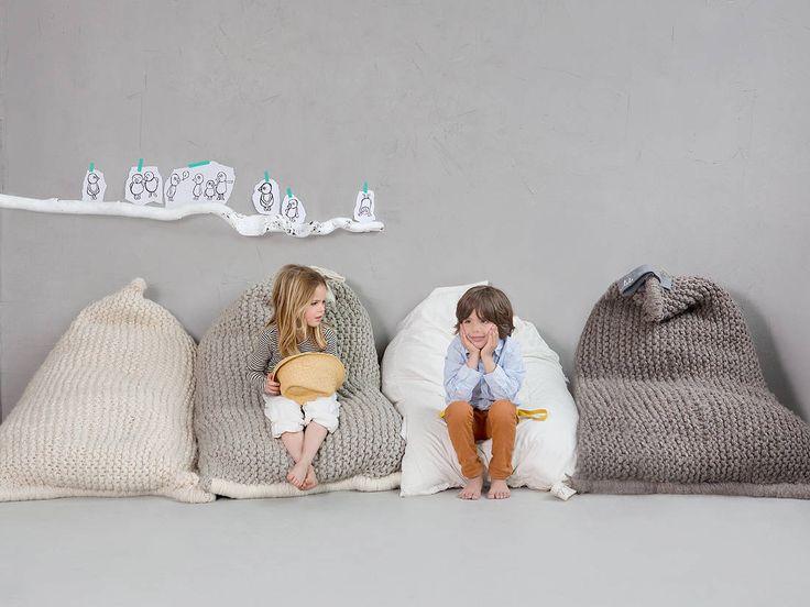 17 meilleures id es propos de gros coussin sur pinterest. Black Bedroom Furniture Sets. Home Design Ideas