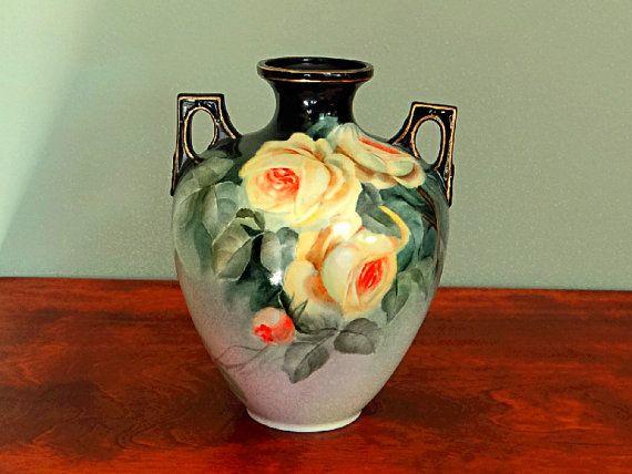 Hand beschilderde vaas gele rozen kunstenaar door BarbsVintageFinds