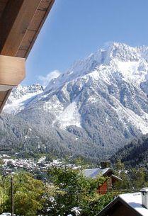 La vista incantevole delle montagne di Ponte di Legno. Tutti i colori e i profumi del rifugio nel cuore delle Alpi