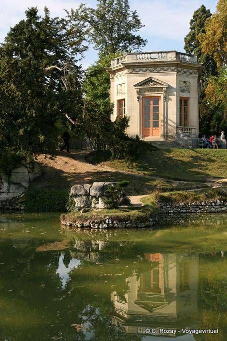 Pabellón de la Roca o mirador, Reina de Hamlet, Versalles