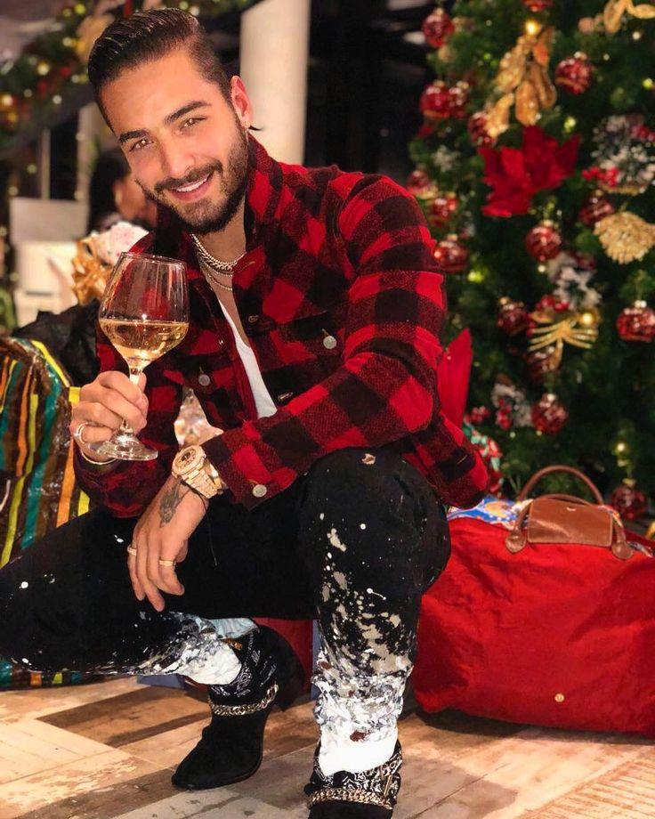 Maluma Celebrating Christmas. #christmas #maluma #merrychristmas #christmaseve