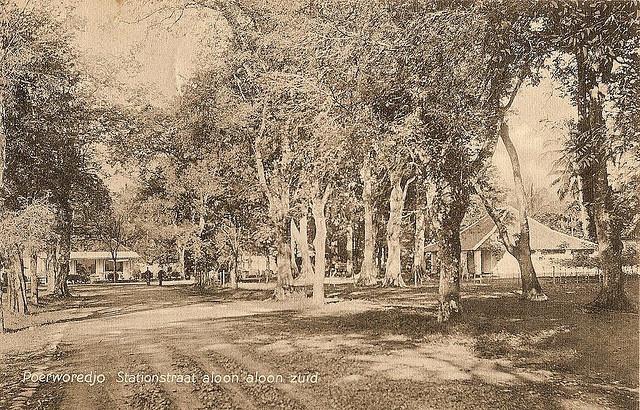 Station street alun alun south, Purworejo, 1911.