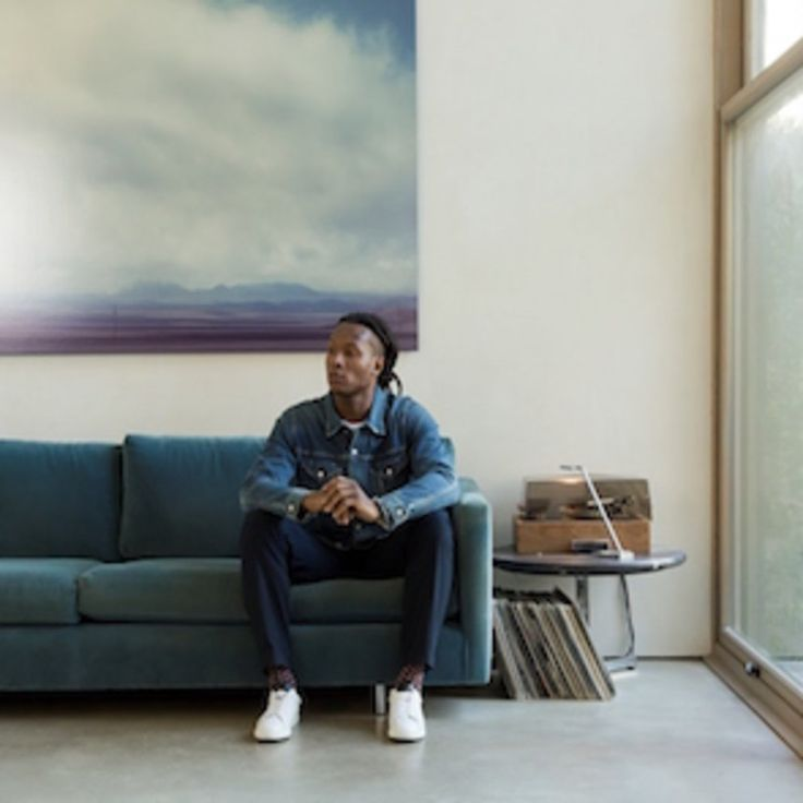 NFL Star DeAndre Hopkins Debuts New-and-Improved Club Monaco Chinos   There's a khaki on the block!