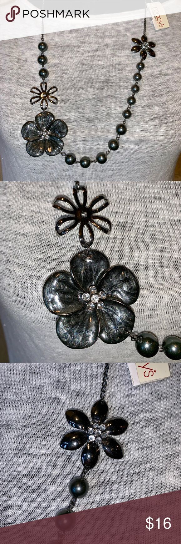 Macy's flower and need statement necklace Stunning gun metal grey flower and b…