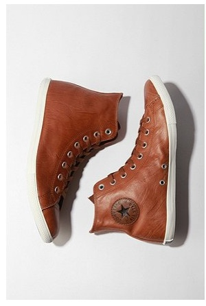 leather converses oh those are perfect♥