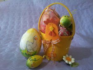 Decoupage con le uova! Ecco il nostro tutorial per creare delle bellissime decorazioni pasquali con delle uova di polistirolo! #Eastercraft