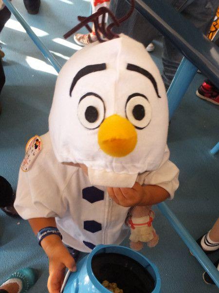 100均で簡単!! オラフ仮装でハッピーハロウィン♪ - 暮らしニスタ 手作りのオラフの仮装は珍しく、たくさんのキャストや他のゲストに可愛いと言ってもらえて、子供も嬉しそうでした(^ ^)  お金もかからず30分もあれば簡単にできるので ...