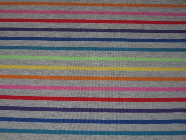 http://de.dawanda.com/product/67488579-jersey-regenbogen-streifen-auf-grau-meliert-995002