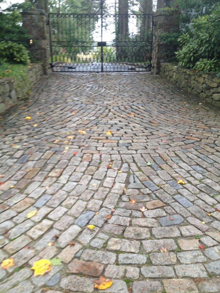 Reclaimed Cobblestone Driveway: European Cobbles