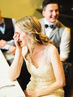 2. Mission ImpossibleKeine Sorge, dafür braucht ihr nicht Tom Cruise einfliegen zu lassen, sondern müsst nur das Chaoskarten-Hochzeitsspiel bei Amazon (ca. 10 Euro) bestellen. Das Set besteht aus 51 Aufgabenkarten, die ihr an die Gäste verteilt. (Bei großen Hochzeiten, könnt ihr auch pro Paar eine Karte austeilen.) Darauf steht für jeden Gast eine ganz persönliche, meist witzige Hochzeitsmission. Zum Beispiel soll sich eine Person bei alle...
