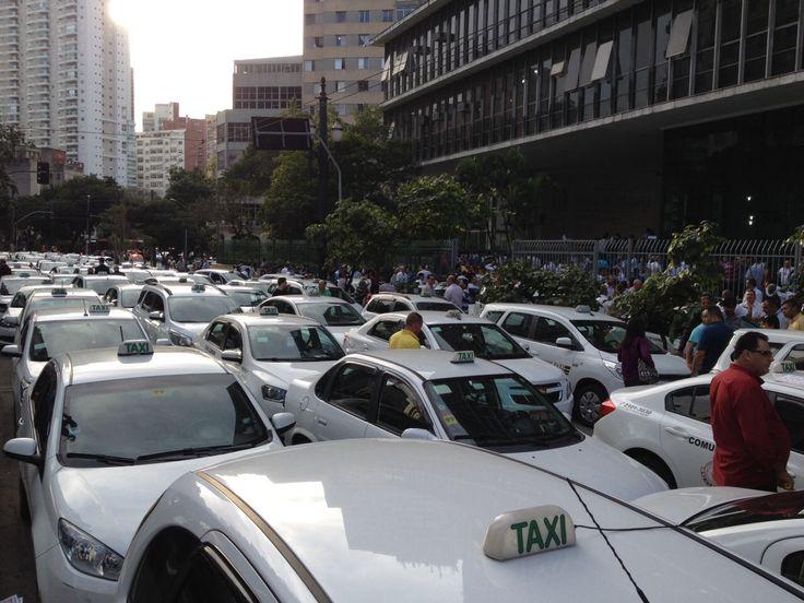 Televisão: Equipe da Globo é agredida durante manifestação de taxistas em SP