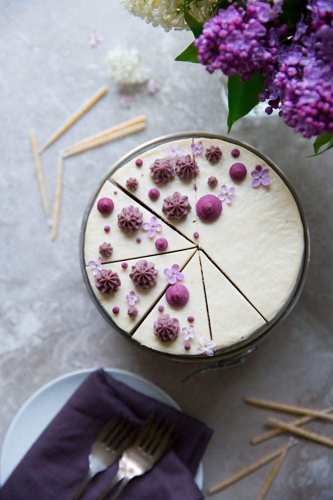 Raw blueberry ombre cake vegan