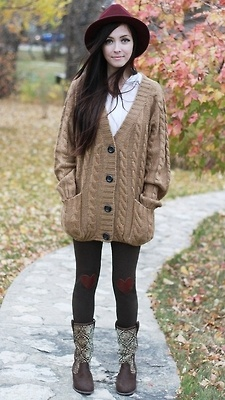 I already have a blue oversized cardigan - but now I need a black one!! SO many ideas bouncing around in my head!