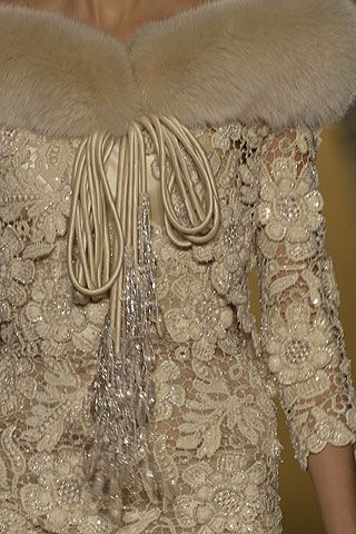 Valentino Fall 2005 Couture Fashion Show Details