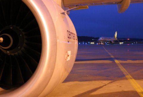 Flughafen Köln/Bonn: Säugling klagt gegen Fluglärm