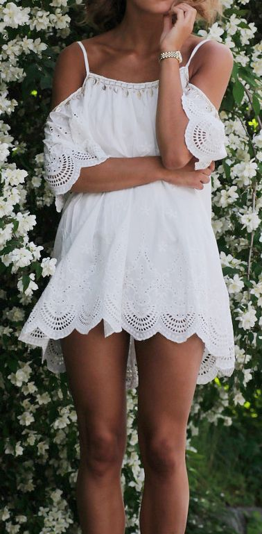 Who says you can't wear white after Labor Day? This white lace dress is absolutely gorgeous #streetstyle #white #lace
