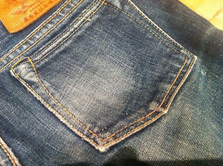 桃太郎ジーンズのポケットの部分の色落ち