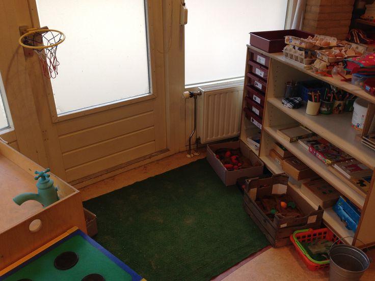 7-gewoonten-hoek: moestuin van Lily en basketballnet van Stuiter.