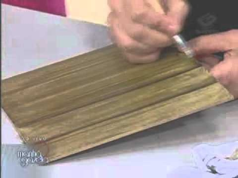 Falsa madeira e pimentas