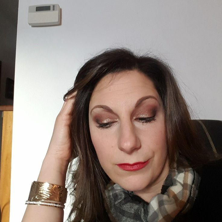 Holiday Glam..younique sparkley gold and red. perfect date night look.  click on image.