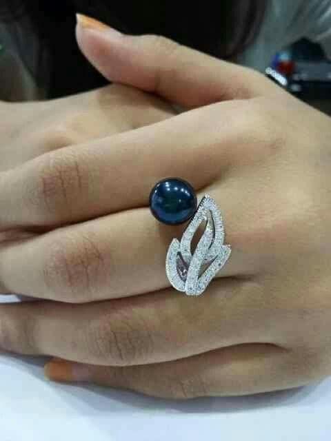 Cincin mutiara lombok Pesan Add Bbm : D6AB777F Sms/ tlp. : As 082337322501/ IM3 085785304765 Wa. : Tri 08990127841 NB: Bila anda ragu jangan membeli dulu. Cek dulu resi dan testnominalnya  #mutiara#mutiaralombok#mutiaralaut#mutiaratawar#fashion#perhiasan#rhodium#elegant#allstyle#wisata#senggigi#oleholehlombok#emas#kadoistimewa#wedding#cincin#alam#natural#pearl#gold#silver#sekarbela#