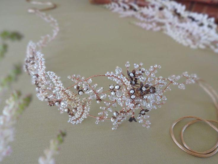 allasilleHairpiece for bride💗 #wedding #weddingjewelry #weddingheadpiece #weddingtiara #weddingaccessories #bridal #bridaljewelry #bridalaccessories #bridalheadpiece #hairhalo #latviandesign #tiaras #weddingjewelrysets#weddingbracelet #rusticwedding #rustic #vintage #vintagewedding #vintageweddingjewelry #boho #bohowedding #flowerjewelry #hairvine #hairdiadem #diadem #crown #weddingcrown