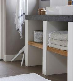 Salle de bain : bois et béton - Appartement 1D