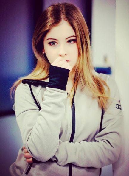 Yulia Lipnitskaya - Russian Ice Skater