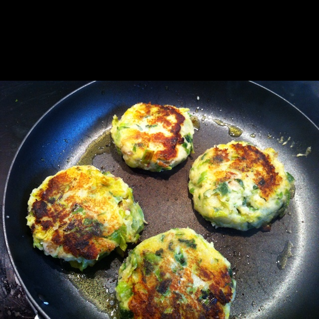 Sprout and leek colcannon cakes | The Allergenic Foodie | Pinterest