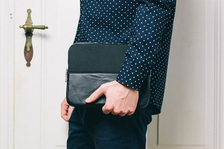 iPad case.  Colour: Black  Material: 100% Leather / 100% Cotton / YKK Zipper  Fabric: Italy / Poland  Fits: iPad 1,2,3,4 with (or without) smart-cover.