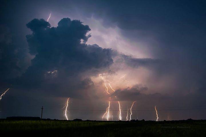 Amazing lightning over Soltvadkert, Hungary last night.