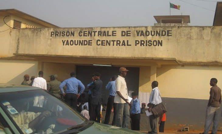 Cameroun - Décès de Jérôme Mendouga:des pensionnaires de Kondengui préparent une grève de la faim - 19/11/2014 - http://www.camerpost.com/cameroun-deces-de-jerome-mendouga-des-pensionnaires-de-kondengui-preparent-une-greve-de-la-faim-19112014/?utm_source=PN&utm_medium=CAMER+POST&utm_campaign=SNAP%2Bfrom%2BCamer+Post