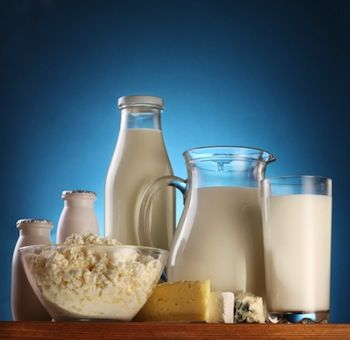 """Scandalo: """"Parmalat non rinnova contratto e compra latte cinese"""""""