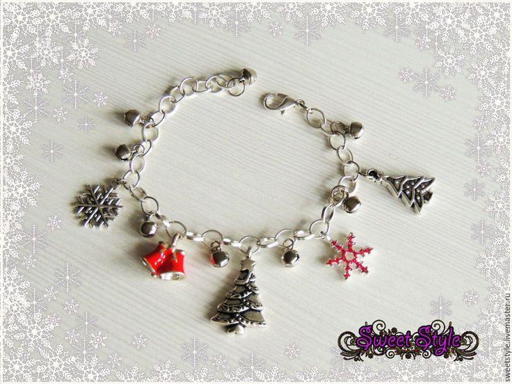 Купить Новогодний браслет с подвесками 2 - снежинка, новогодний подарок, новогоднее украшение, 2017 год, подарок
