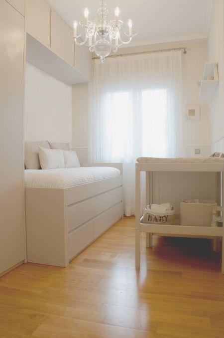 Mobiliario infantil, cama triple, armario, puente, cambiador Sniglar Ikea, cuna