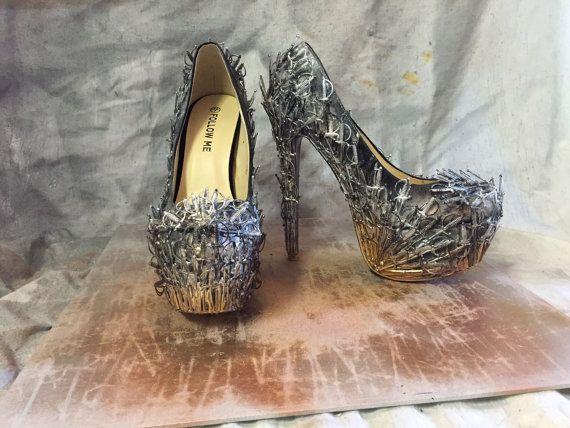 Misura ferro trono ispirate scarpe di RhiBee214 su Etsy