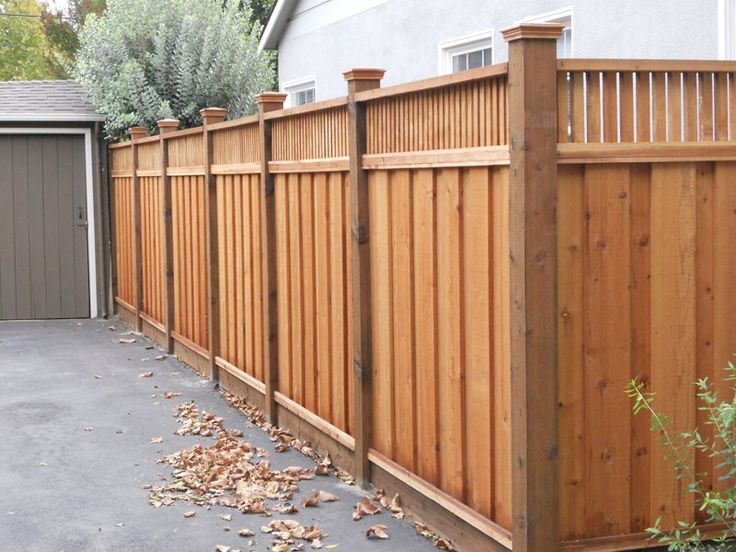 Best 25 wooden fence ideas on pinterest wood fences for Wood privacy fence ideas