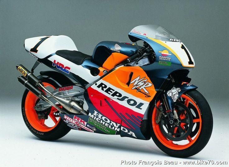 1997 Honda NSR500  http://forum-mgp.niceboard.com/t713-les-honda-gp-de-legende