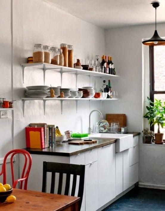 Para cozinhas pequenas a dica colocar prateleiras nas for California kitchen design ideas